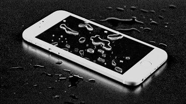 اپل iphone 6s تا ۱ ساعت زیر آب دوام می آورد